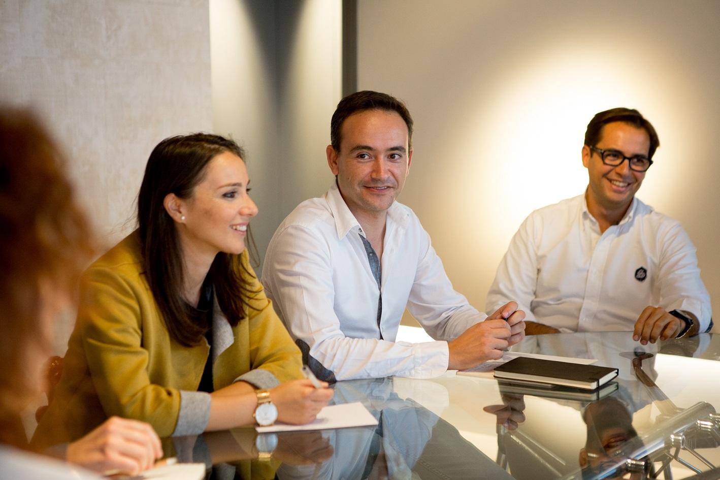 Junta de Gobierno del CDICV (Colegio Oficial de Diseñadores de Interior de la Comunidad Valenciana) Octubre 2015